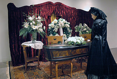 Follow link to the Funeral Parlour page