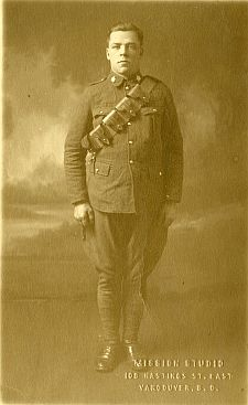 sepia photograph of Pte. Robert Major, 1918